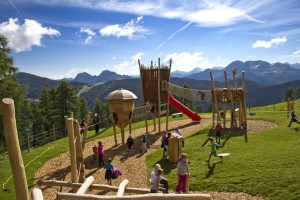 """Beim Abenteuerspielplatz """"Weltcup der Tiere"""" lernen die Kinder ein Menge über die heimische Tierwelt. foto (c) Zausensee"""