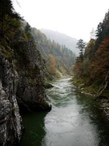 Ein Blick ins wilde Tal der Tiroler Ache.  Foto (c) kinderoutdoor.de