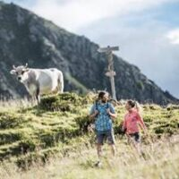 Hüttenwanderung mit Kindern bei Schenna foto (c) Tourismusverein Schenna/Hannes Niederkofler